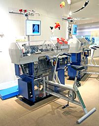 Experience-type glove knitting machine